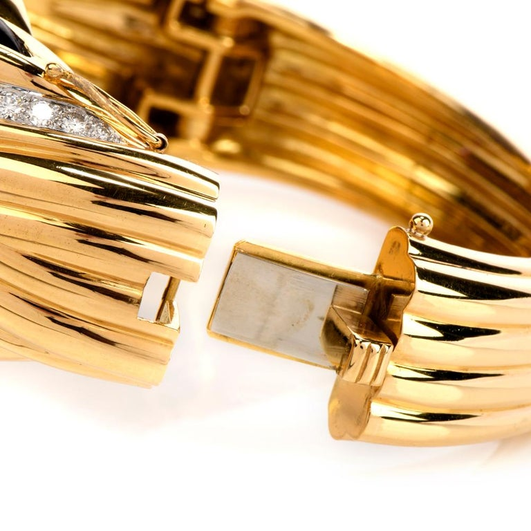 Round Cut 1980s Diamond Onyx 18 Karat Gold Large Wide Bangle Bracelet For Sale