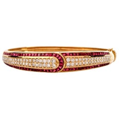1980s Diamond Ruby 18 Karat Gold Bangle Bracelet