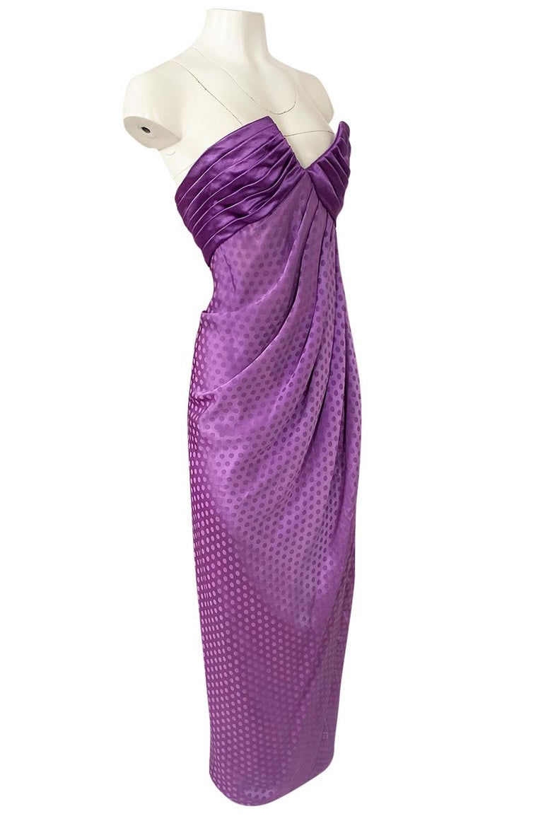 1980s Emanuel Ungaro Strapless Dotted Purple Fluid Silk Dress In Excellent Condition For Sale In Rockwood, ON