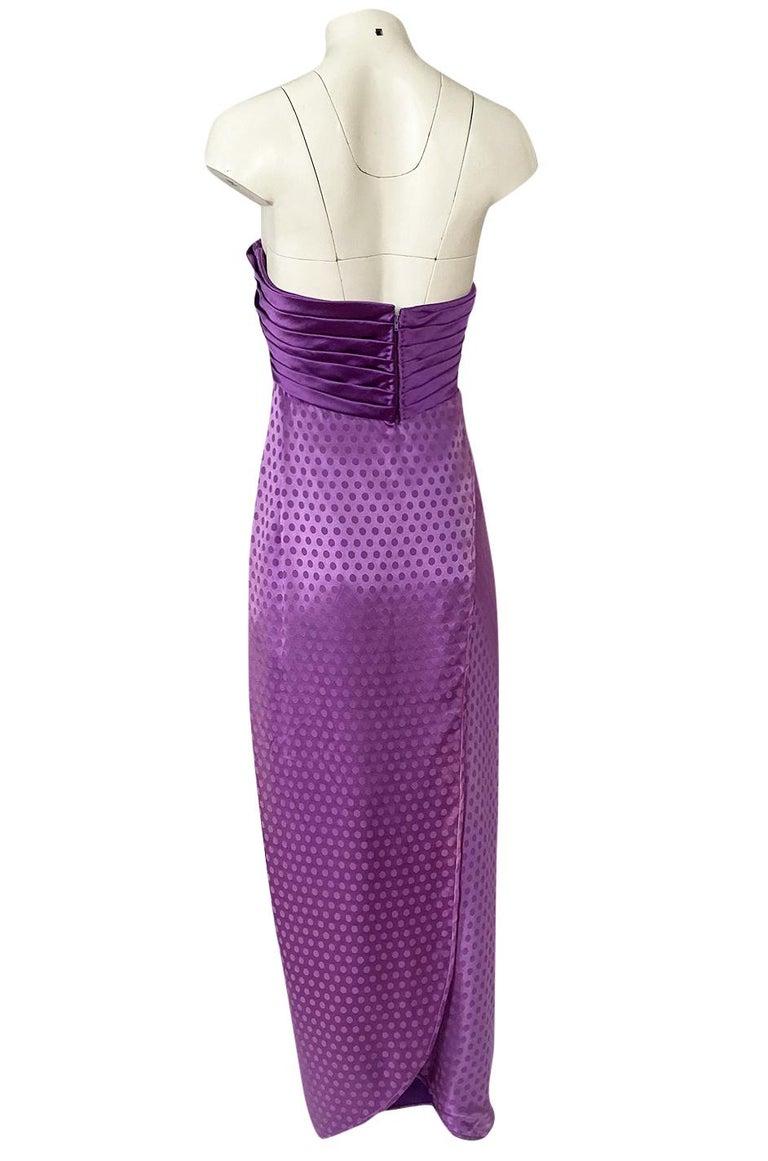 1980s Emanuel Ungaro Strapless Dotted Purple Fluid Silk Dress For Sale 2