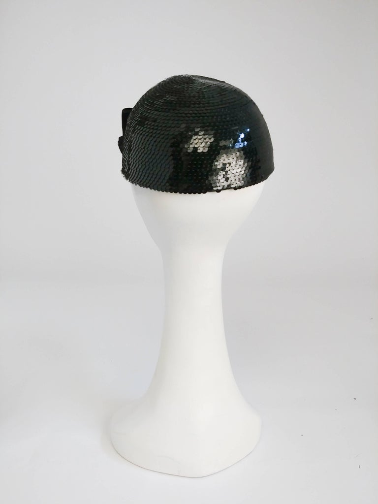 Eric Javits Black Sequin Cap with Velvet Bow, 1980s  For Sale 1