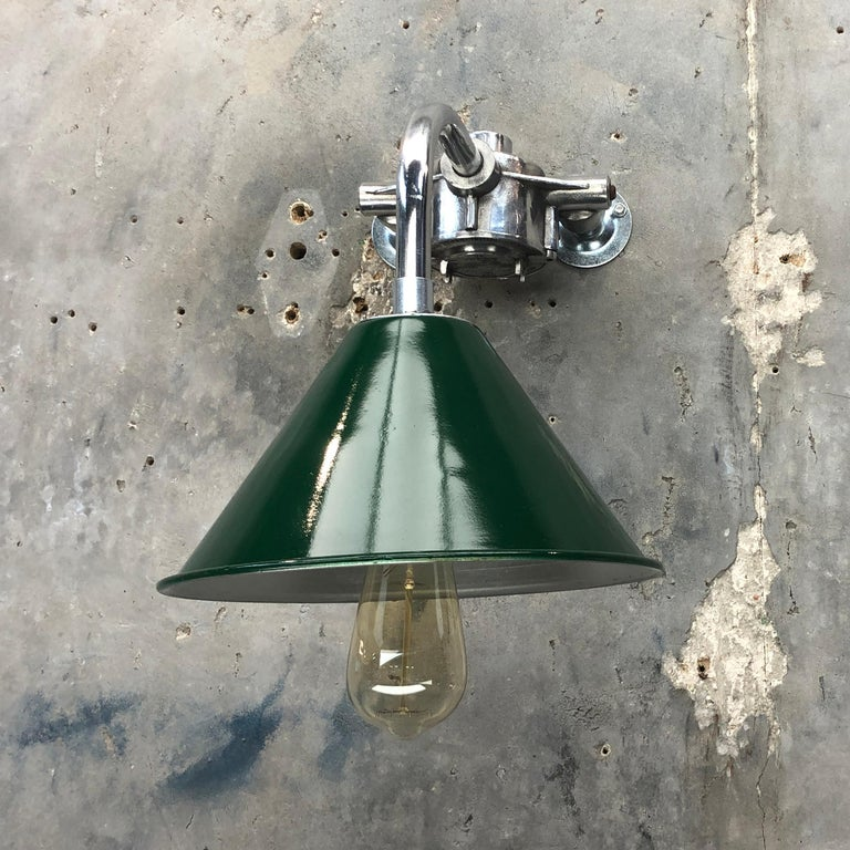 1980s Ex British Army Lamp Shade and Galvanized Steel Short Reach Cantilever In Excellent Condition For Sale In Leicester, Leicestershire
