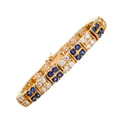 1980s Exquisite Diamond and Sapphire Double S Link 18 Karat Bracelet