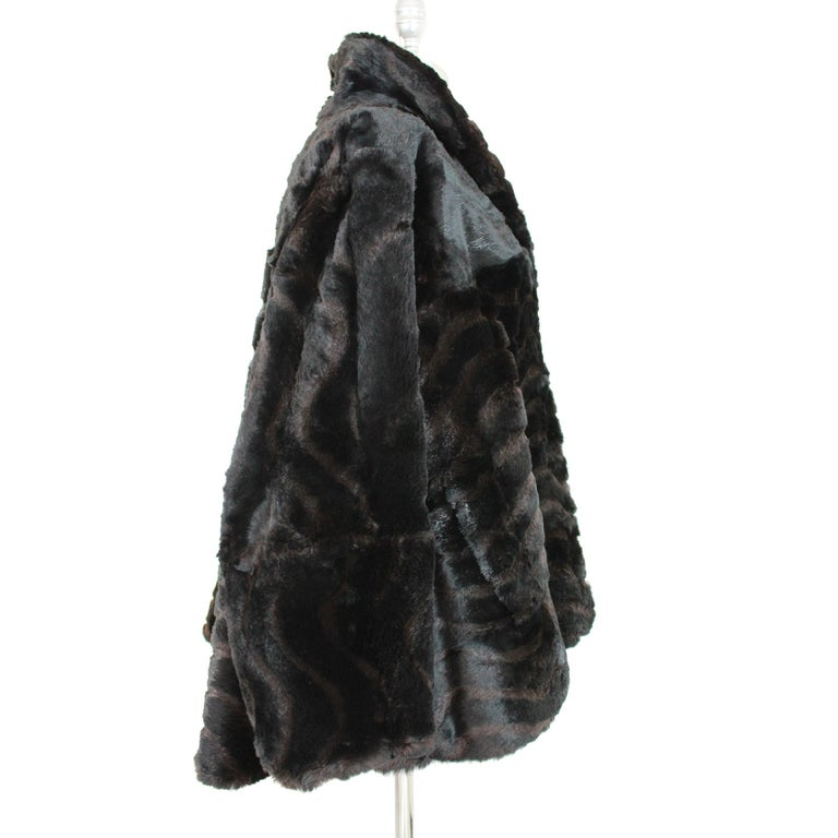 1980s Fendi Black and Brown Fur Lapin Rex Short Bolero Jacket  In Excellent Condition For Sale In Brindisi, Bt