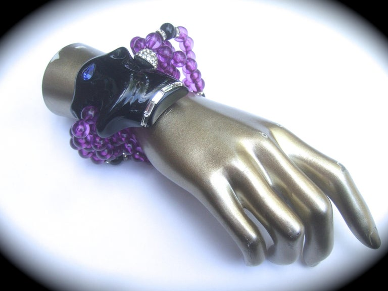1980s Figural Lucite Panther's Head Jeweled Crystal Resin Beaded Bracelet  In Good Condition For Sale In Santa Barbara, CA