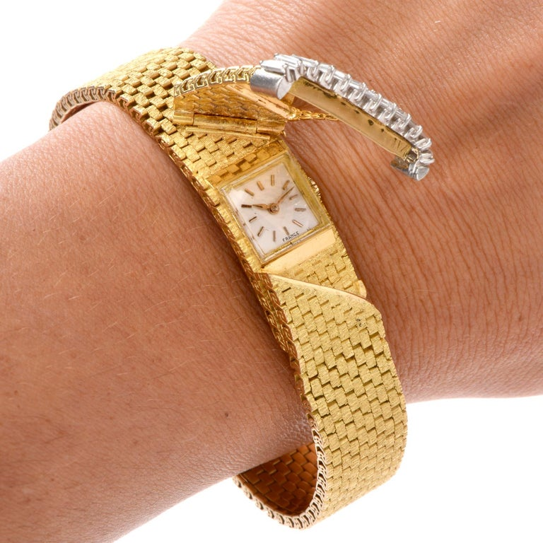 1980s French Ladies Baguette Diamond 18 Karat Cover Watch For Sale 3