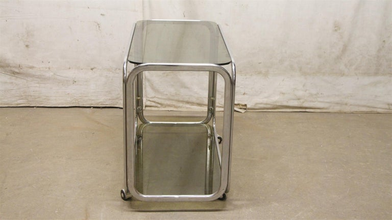 1980s French Mid-Century Modern Chrome Bar Cart with Dark Glass Shelves In Good Condition In New York, NY