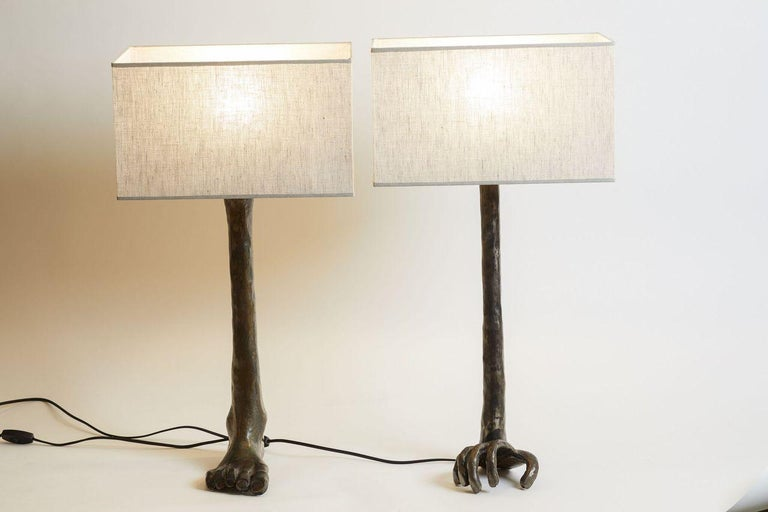 1980s French Unique Bronze Hand and Foot Design Signed Pair of Lamps In Good Condition For Sale In Aspen, CO