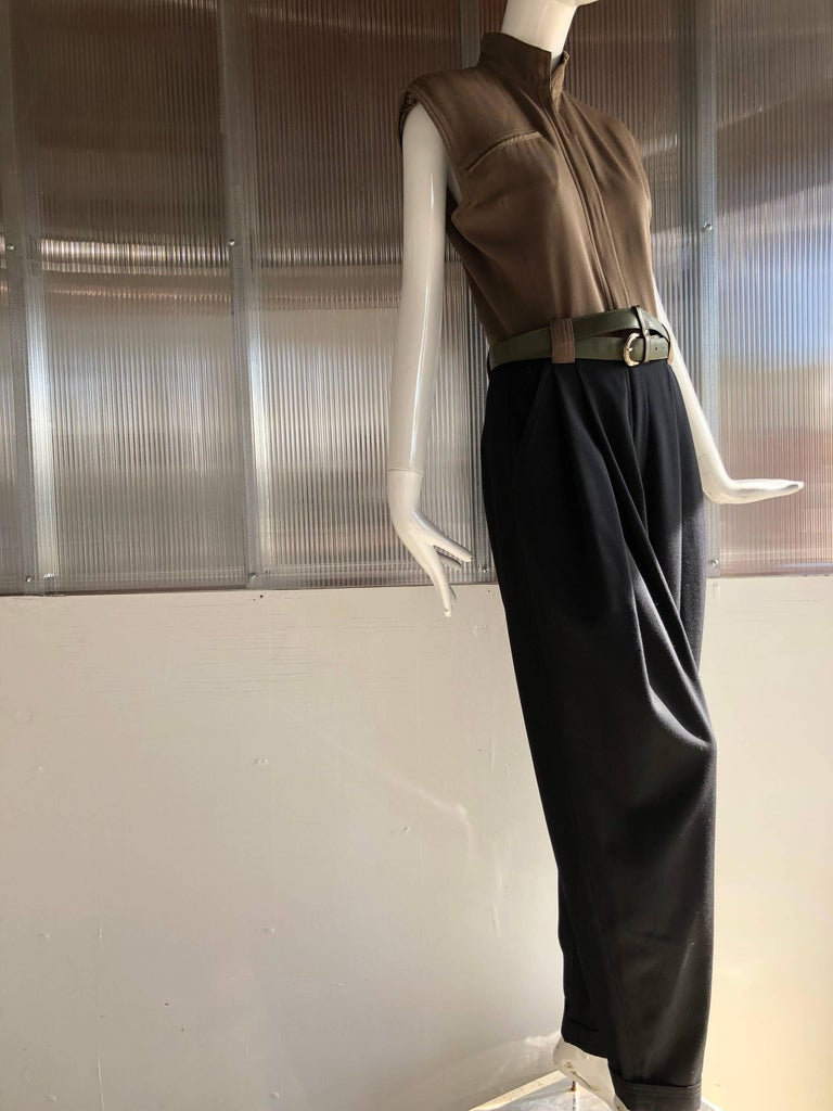 1980s Gianni Versace 2-Tone Gabardine Jumpsuit W/ Pleated Pants and Nehru Collar In Excellent Condition For Sale In San Francisco, CA