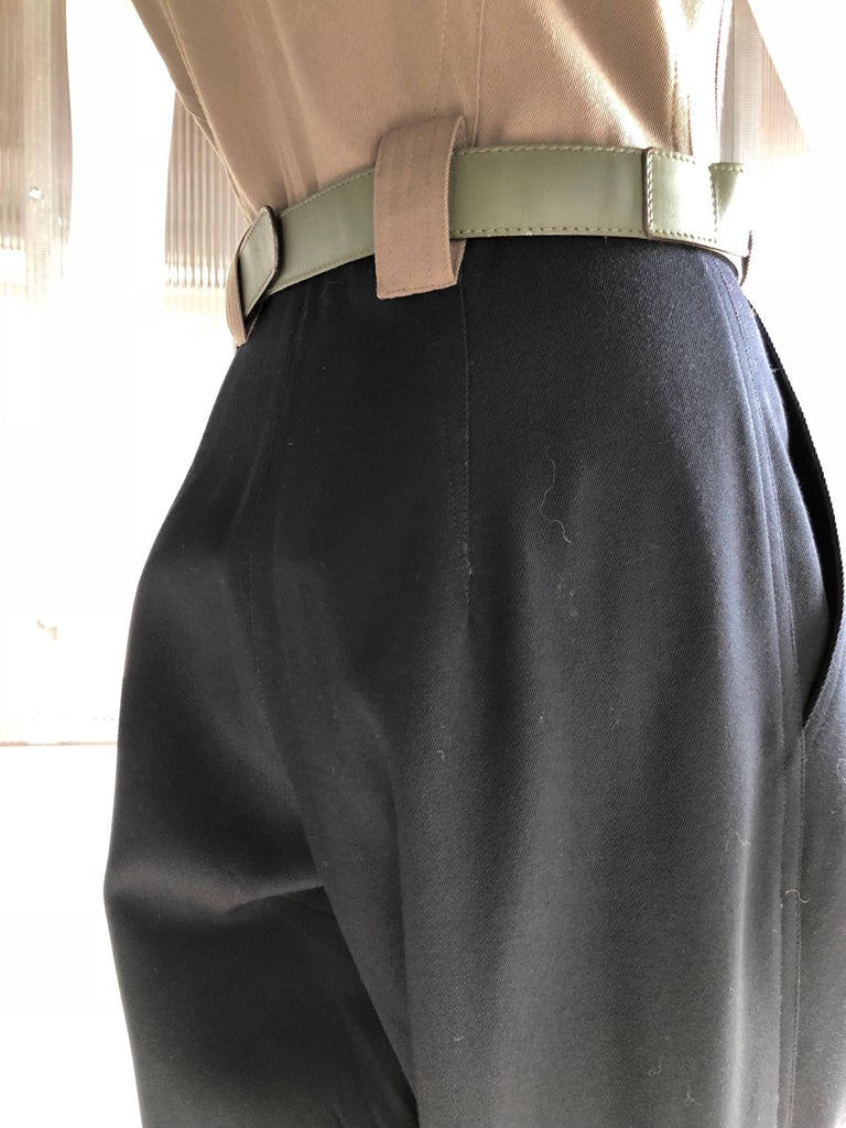 1980s Gianni Versace 2-Tone Gabardine Jumpsuit W/ Pleated Pants and Nehru Collar For Sale 3