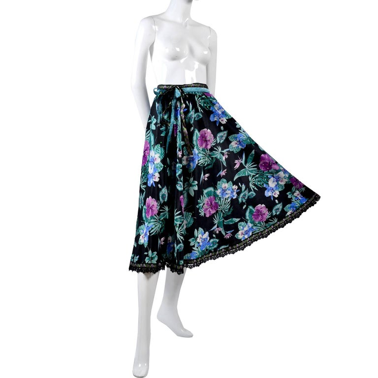 Giorgio di Sant' Angelo Skirt in Black Cotton Floral Print With Sequins, 1980s  For Sale 5