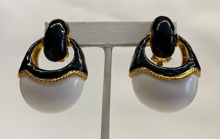 1980s Gold, Black Enamel and White Cabochon Pendant Earrings For Sale 4