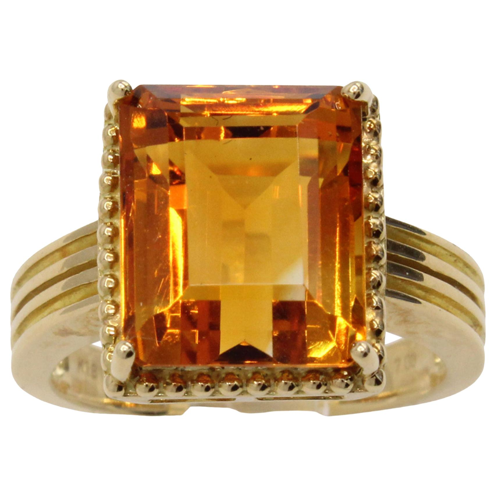 1980s Golden Citrine 18 Karat Gold Cocktail Ring