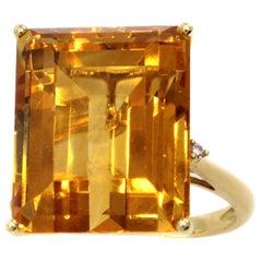 1980s Golden Citrine Diamond 18 Karat Gold Ring