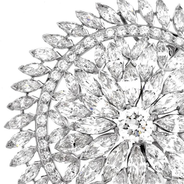 Women's or Men's 1980s Grand Blink Circular Diamond Platinum Lapel Brooch Pin For Sale