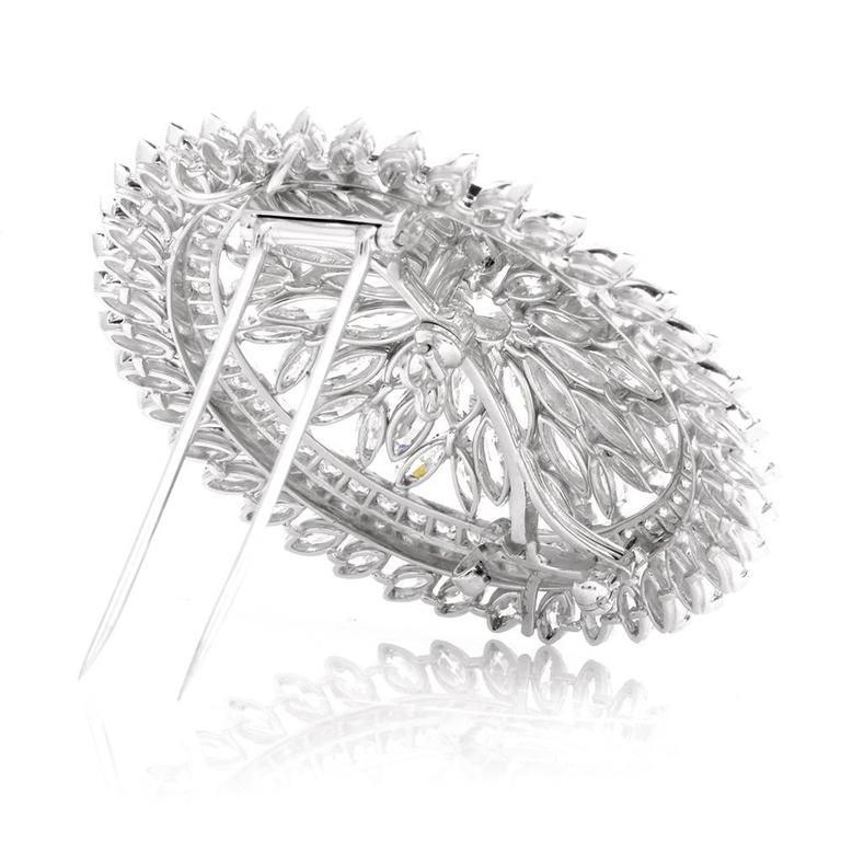 1980s Grand Blink Circular Diamond Platinum Lapel Brooch Pin For Sale 1