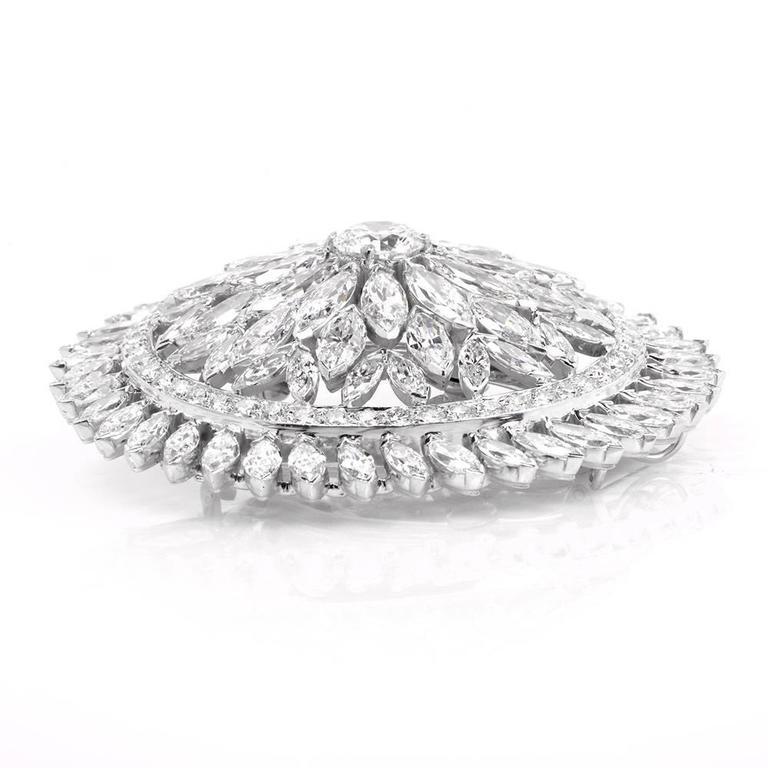 1980s Grand Blink Circular Diamond Platinum Lapel Brooch Pin For Sale 2