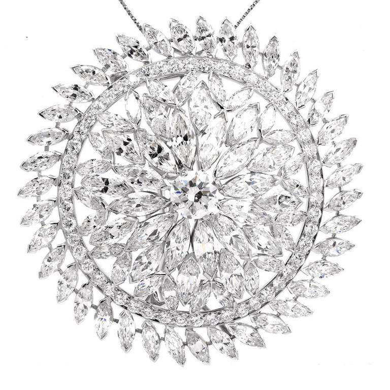 1980s Grand Blink Circular Diamond Platinum Lapel Brooch Pin For Sale 3