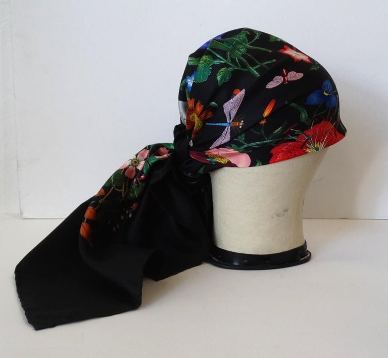 Women's or Men's 1980s Gucci Black Flora Printed Silk Scarf For Sale