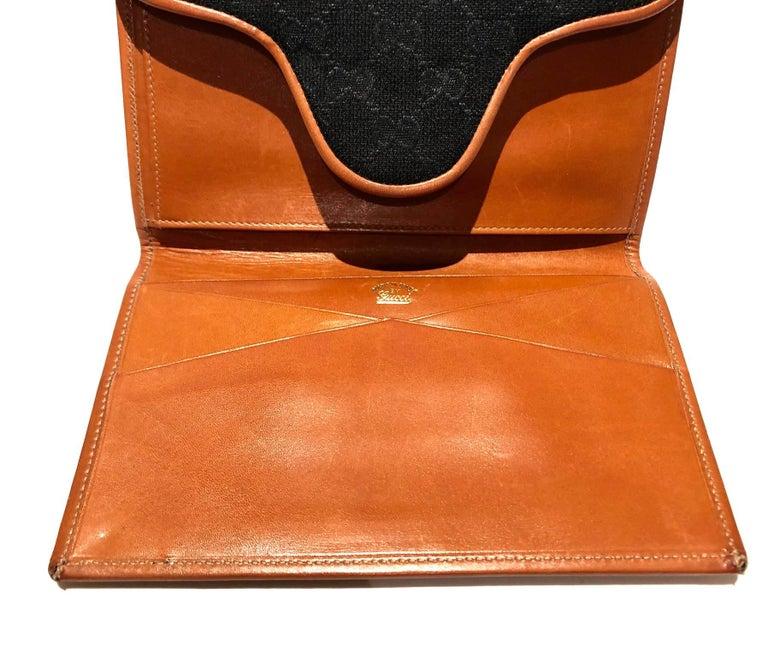 1980s GUCCI GG INTERLOCKING MONOGRAM TAN PASSPORT WALLET For Sale 1