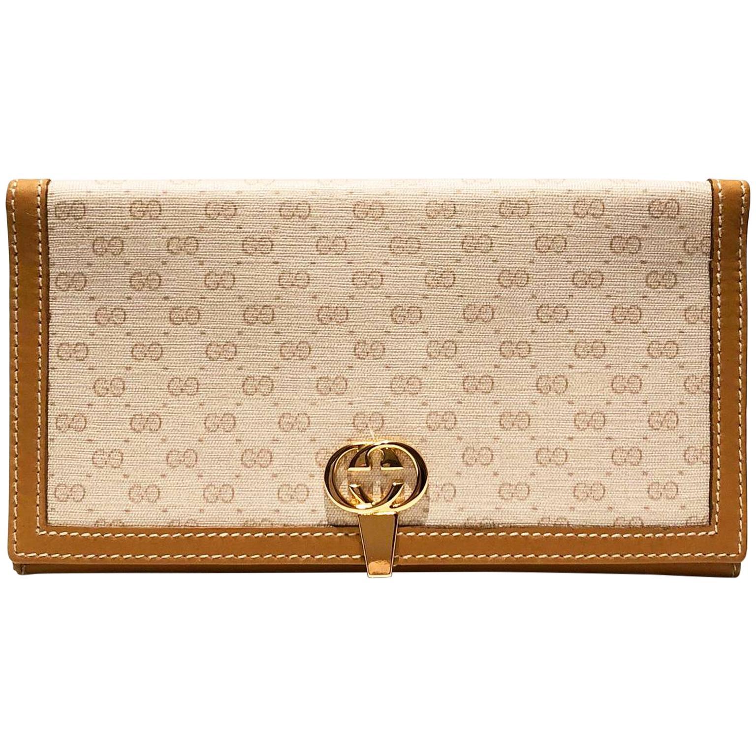 1980s Gucci Interlocking Logo Clutch Tan Leather Monogram Wallet