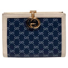 1980s Gucci Navy Blue GG interlocking monogram wallet