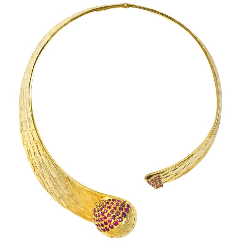 1980s Gucci Ruby and Gold Collar For Sale