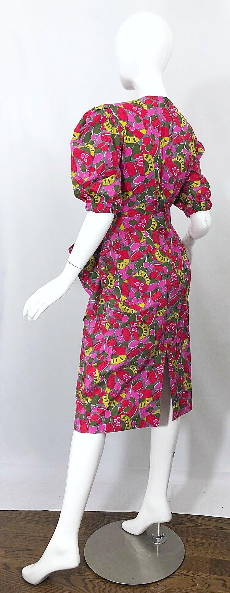 Brown 1980s Guy Laroche Size 44 / 12 Novelty Fruit Print Avant Garde Vintage 80s Dress For Sale