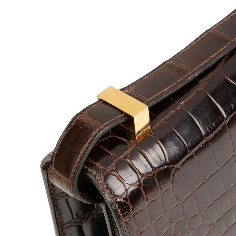 1980's Hermes Marron Fonce Shiny Caiman Crocodile Leather Vintage Constance 24 For Sale 1