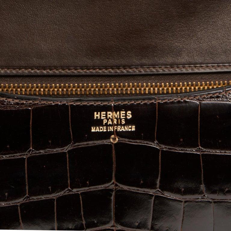 1980's Hermes Marron Fonce Shiny Caiman Crocodile Leather Vintage Constance 24 For Sale 2