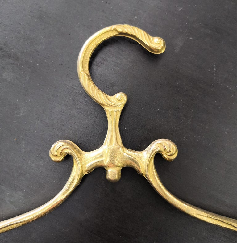 1980s Italian Hollywood Regency Neoclassical Solid Brass Coat Hangers In Excellent Condition For Sale In Carimate, Como