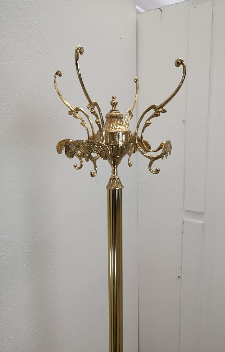 20th Century 1980s Italian Midcentury Hollywood Regency Neoclassical Brass Floor Coat Hanger For Sale