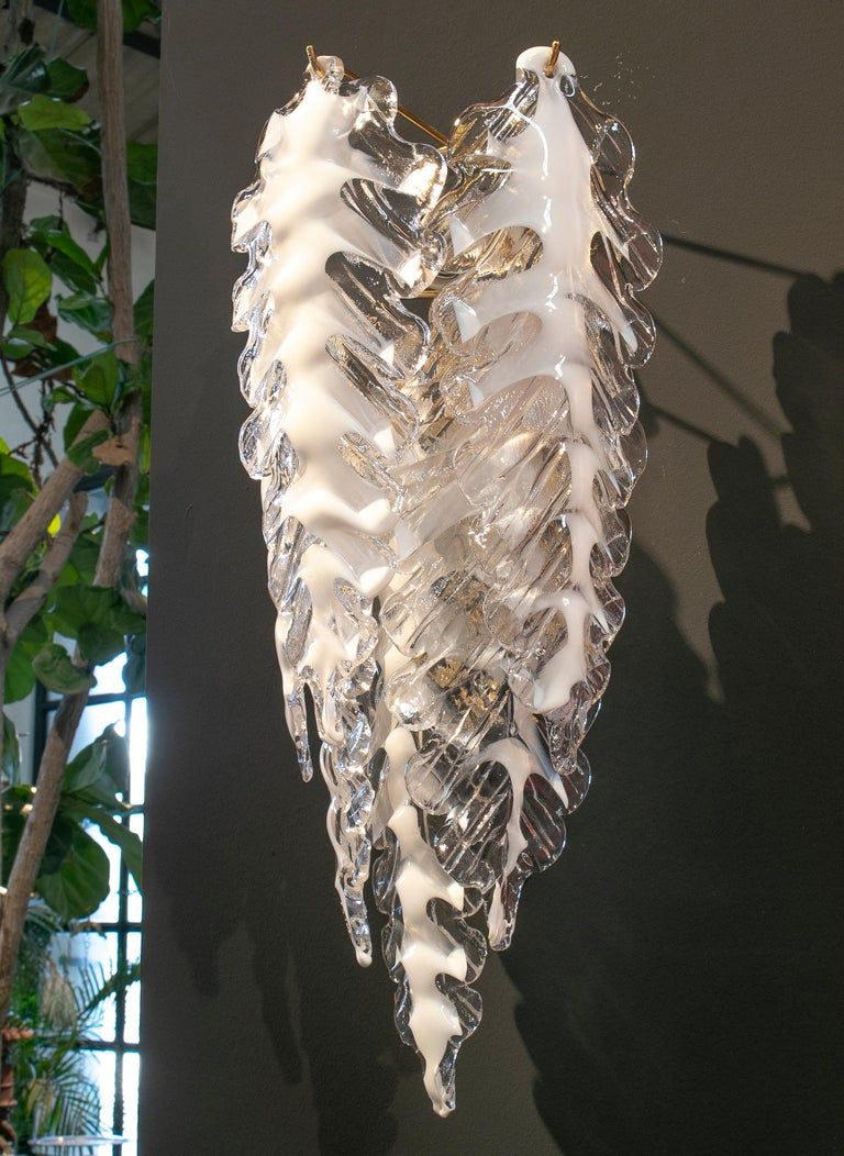 1980s Italian Pair of Venetian Murano Glass Wall Lamps with Bronze Holders In Good Condition For Sale In Malaga, ES