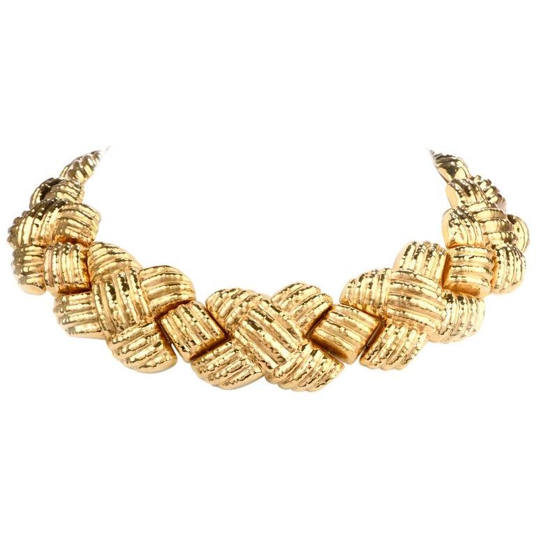 1980s Italian Wide 18 Karat Criss Cross Choker Necklace For Sale