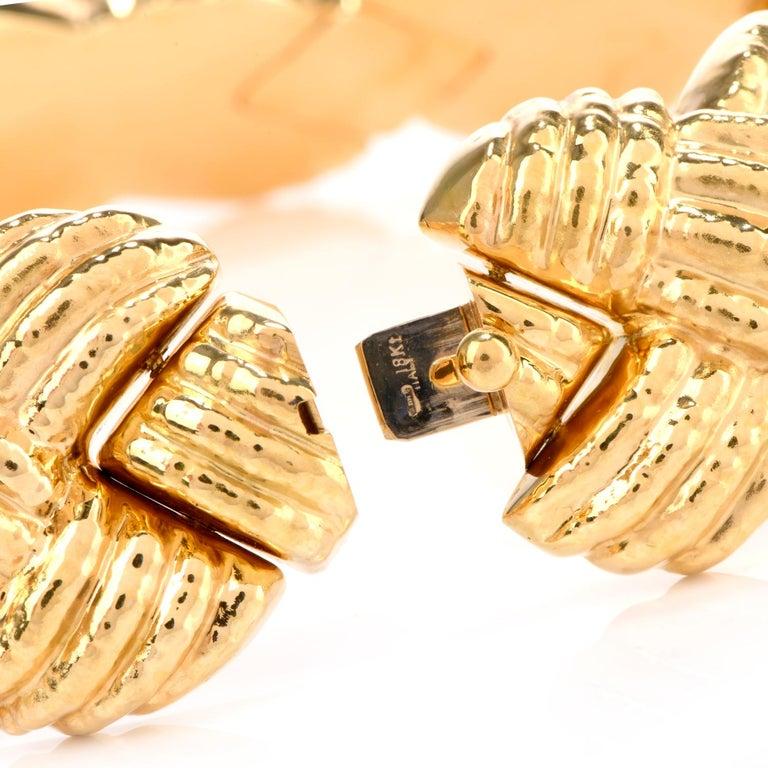1980s Italian Wide 18 Karat Criss Cross Choker Necklace For Sale 1