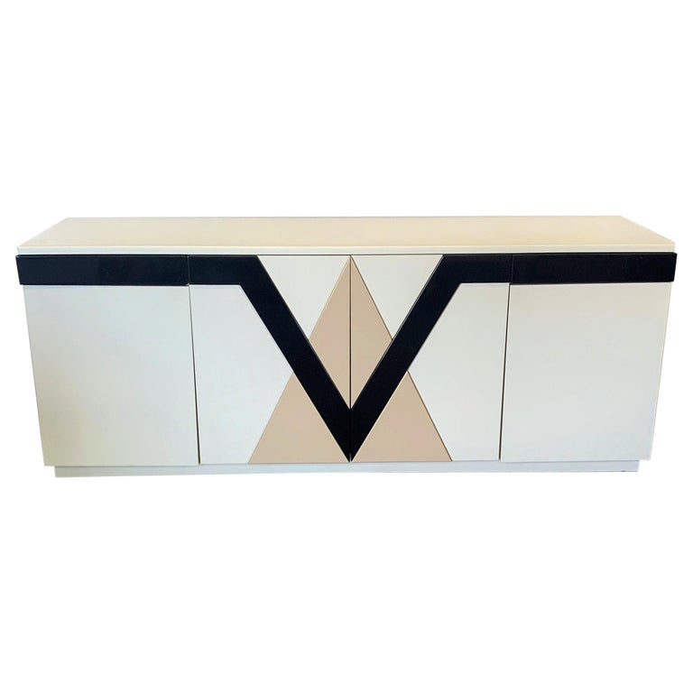 1980s Lacquered Postmodern Geometric Credenza For Sale