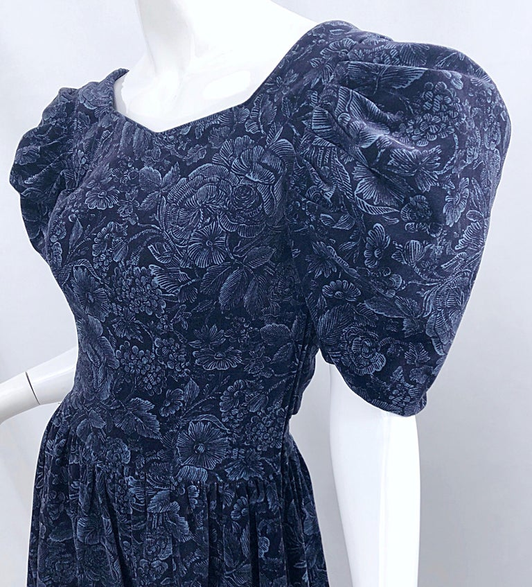 1980s Laura Ashley Batsheva Navy Blue Velvet Open Back Vintage 80s Midi Dress  In Excellent Condition For Sale In Chicago, IL