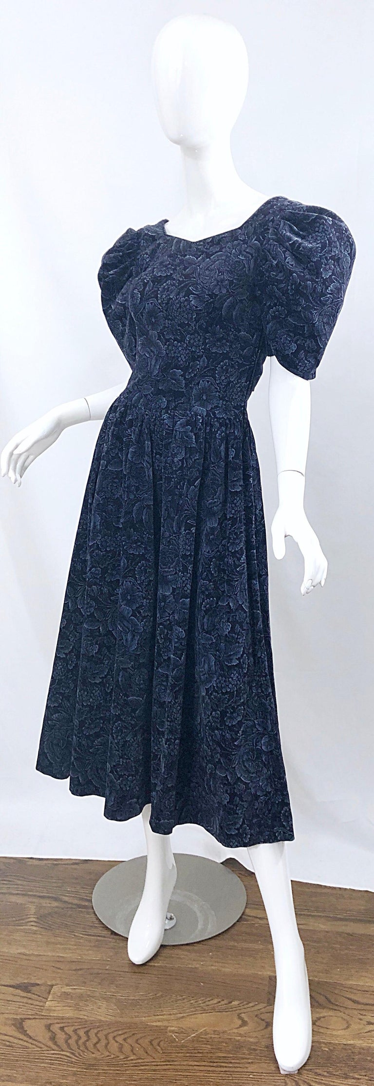 1980s Laura Ashley Batsheva Navy Blue Velvet Open Back Vintage 80s Midi Dress  For Sale 2