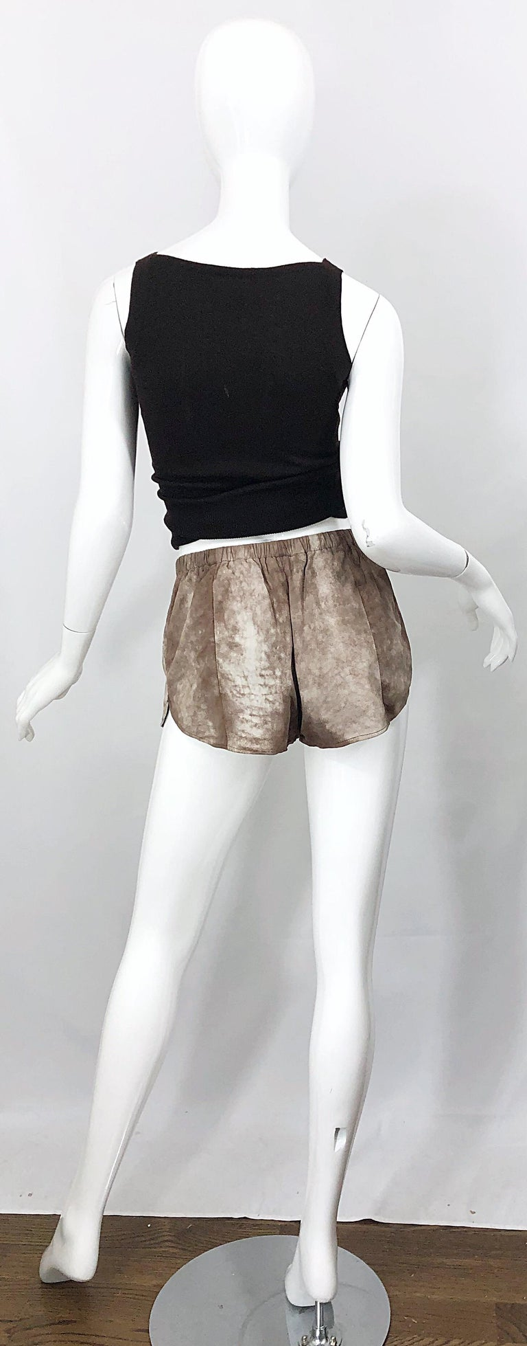 1980s Love, Melody Sabatasso Sheepskin Leather Brown Vintage 80s Hot Pant Shorts In Excellent Condition For Sale In Chicago, IL