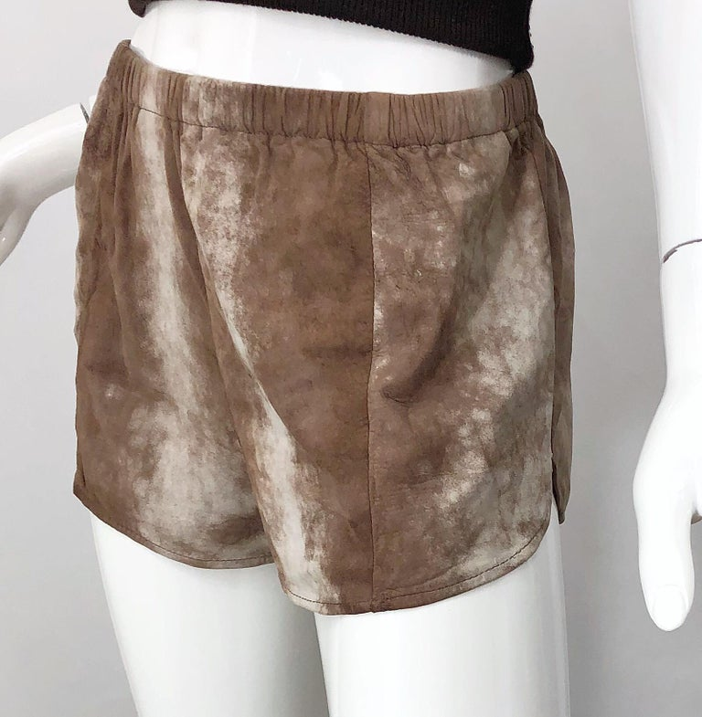 Women's or Men's 1980s Love, Melody Sabatasso Sheepskin Leather Brown Vintage 80s Hot Pant Shorts For Sale