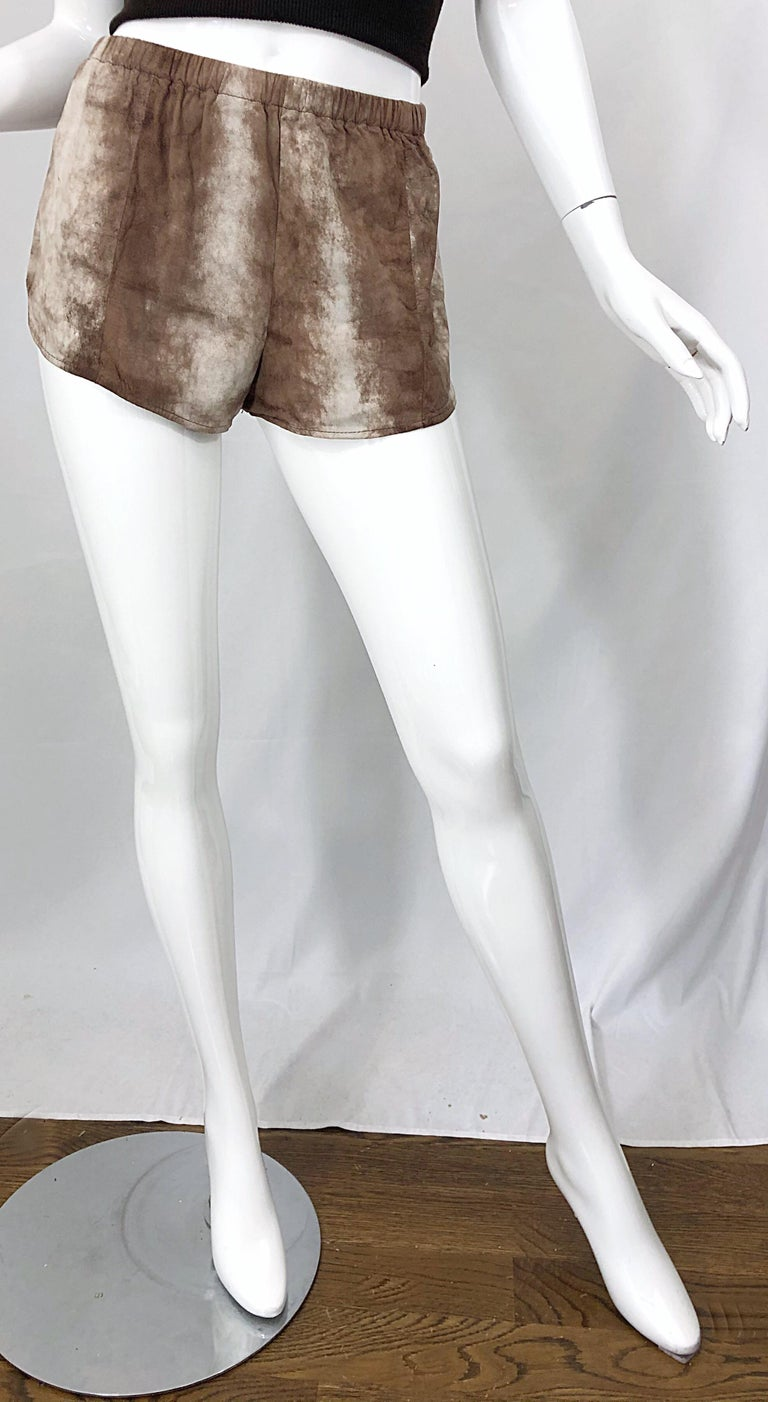 1980s Love, Melody Sabatasso Sheepskin Leather Brown Vintage 80s Hot Pant Shorts For Sale 3