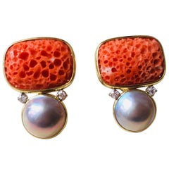 1980s Mazza 14 Karat Gold Red Coral Mabe Pearl VS Diamond Drop Earrings