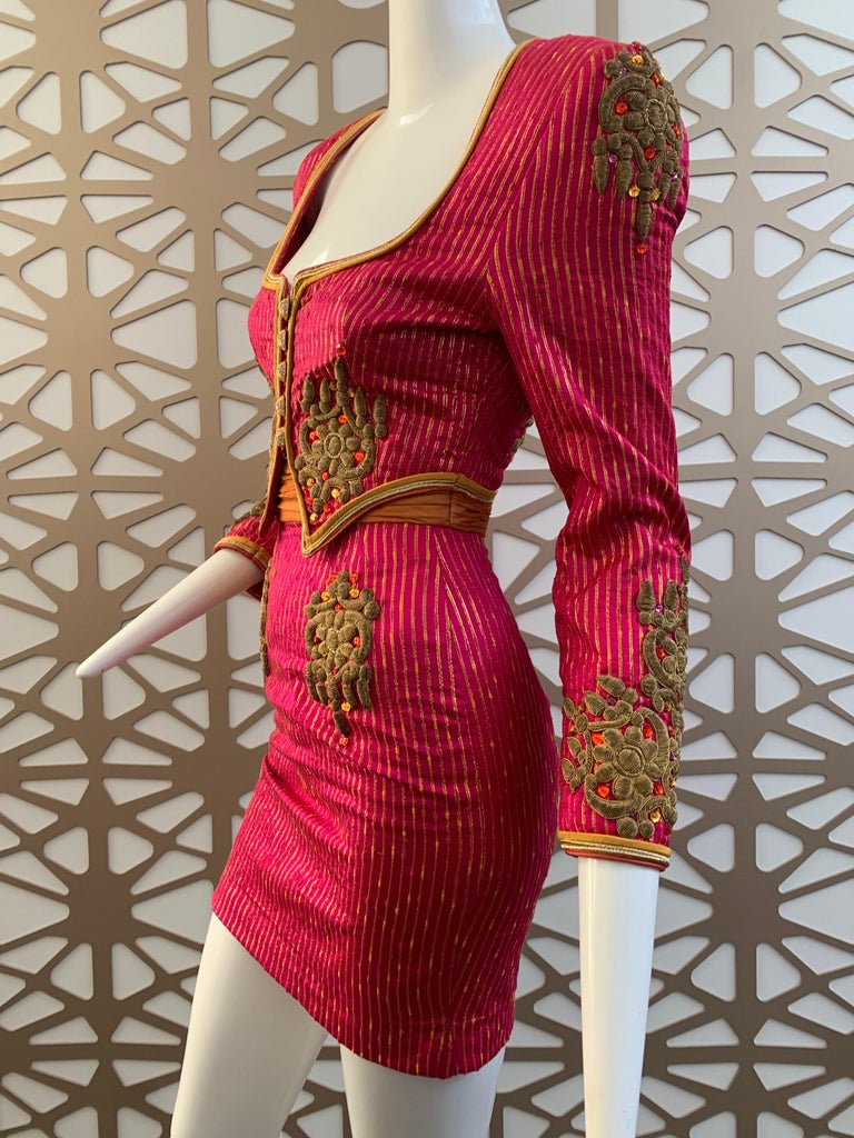 1980s Michael Casey 2-Piece Mini Skirt Suit In Fuchsia Pinstripe & Gold Braid In Excellent Condition For Sale In San Francisco, CA