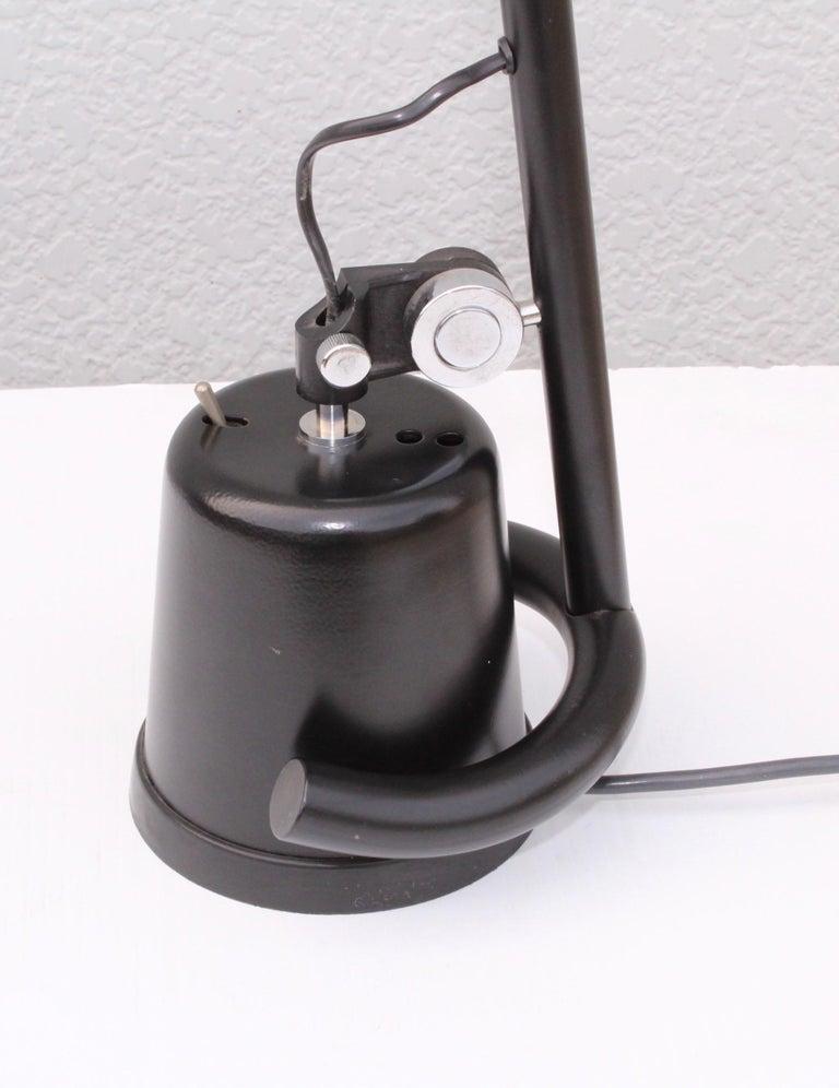 1980s Mid-Century Modern Italian Desk Lamp For Sale 2