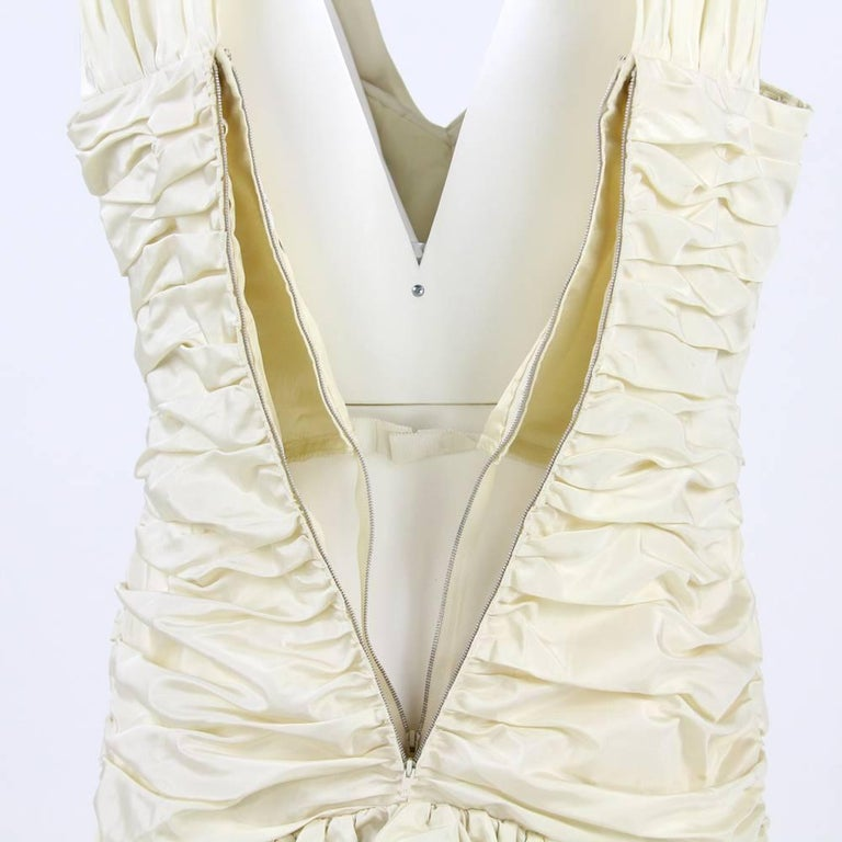 1980s Nina Ricci Off-White Silk Dress In Good Condition For Sale In Lugo (RA), IT