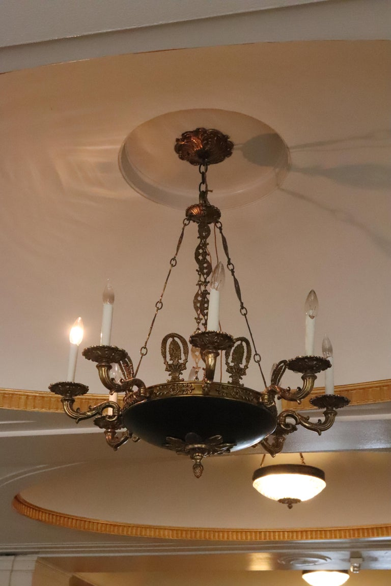 Late 20th Century 1980s NYC Waldorf Astoria Hotel Napoleon III Empire Style 8-Arm Chandelier For Sale