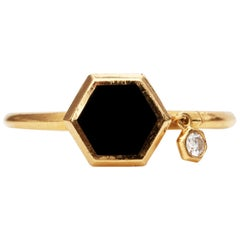 1980s Onyx and Diamond 18 Karat Yellow Gold Ring