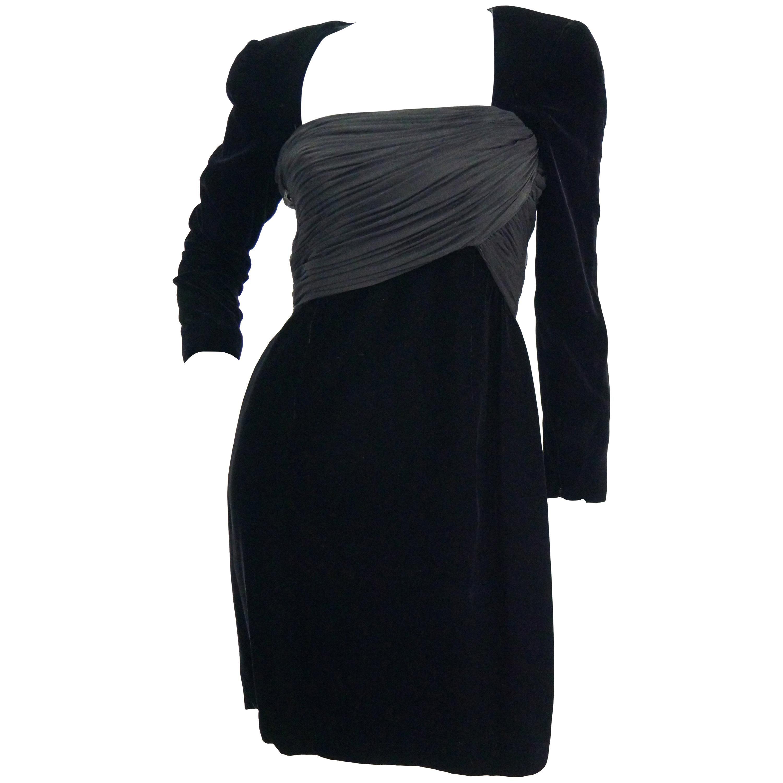 1980s Oscar de la Renta Black Velvet Cocktail Dress with Ruched Detail