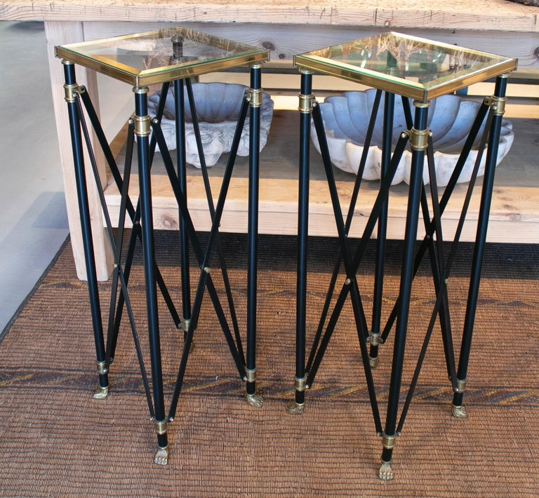 1980s Pair of French Designed Bronze Auxiliary Tall Tables with Lion Claw Feet In Good Condition For Sale In Malaga, ES