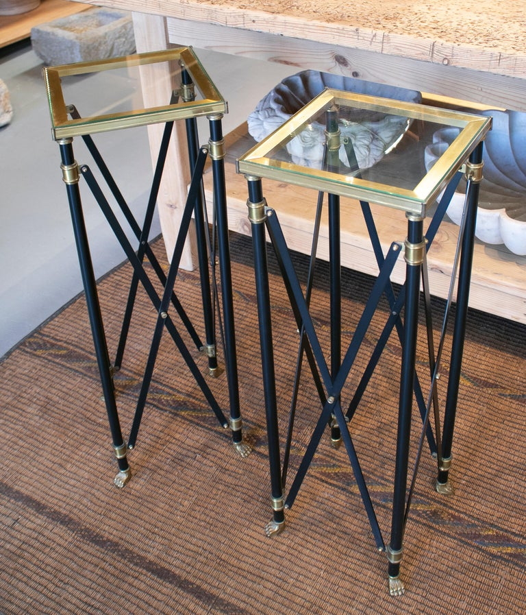 1980s Pair of French Designed Bronze Auxiliary Tall Tables with Lion Claw Feet For Sale 1